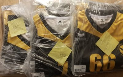Recreanten spelen laatste competitieavond 2017 in nieuwe shirts